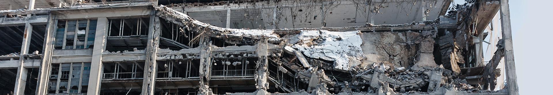 Budynek w trakcie rozbiórki