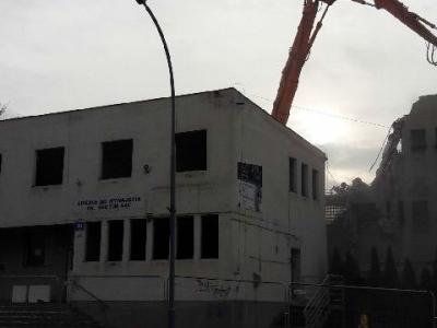 Rozbiórka budynku biurowo magazynowego 6