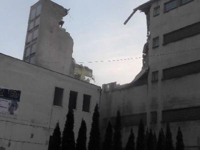 Rozbiórka budynku biurowo magazynowego 7