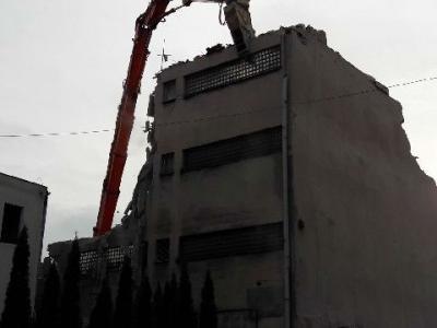 Rozbiórka budynku biurowo magazynowego 8